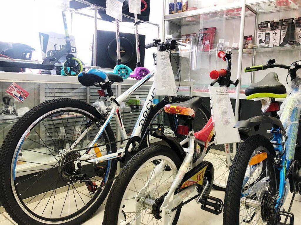 велосипеды и детские самокаты